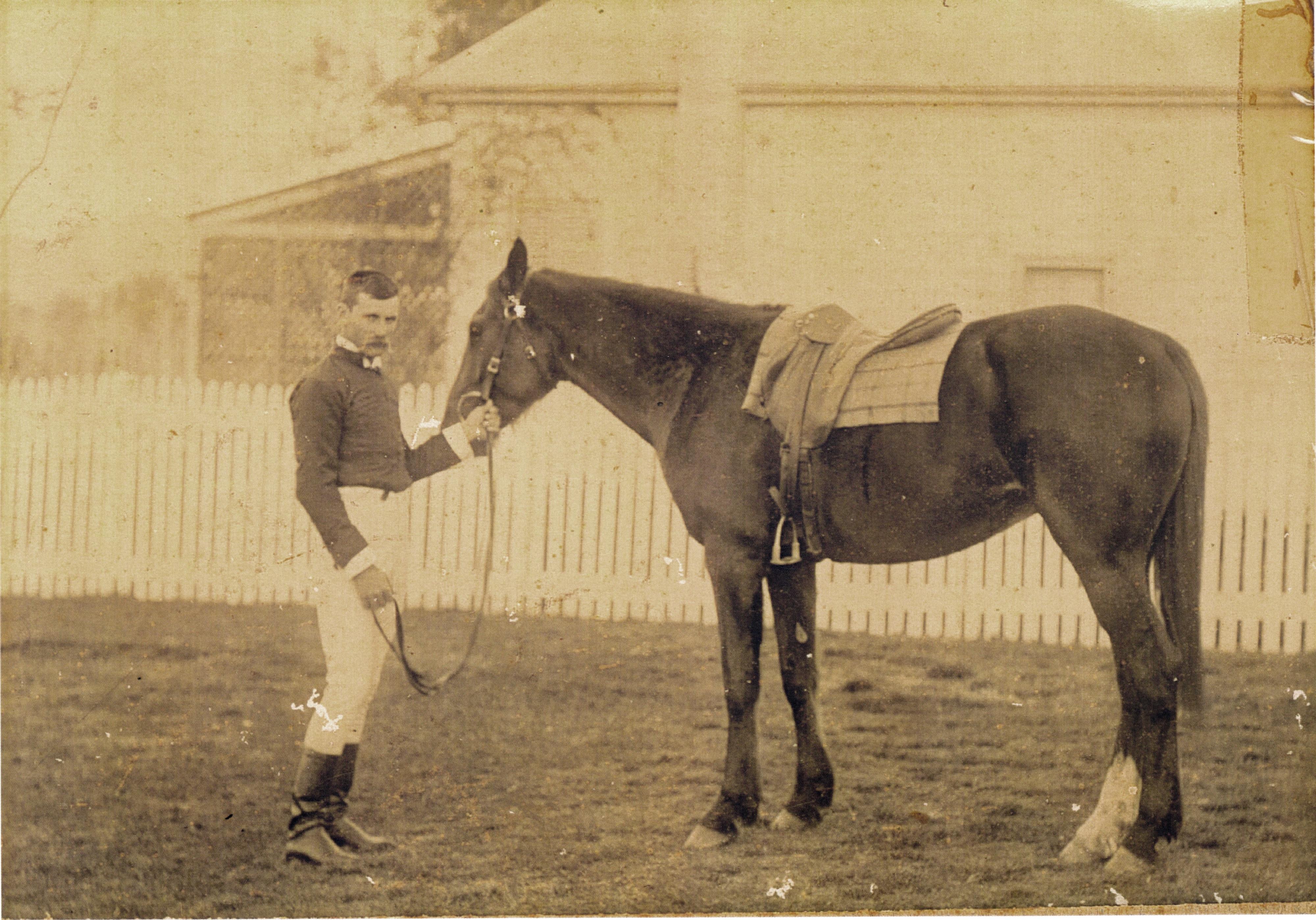 01_Albert-Dahlke-and-Horse.jpg
