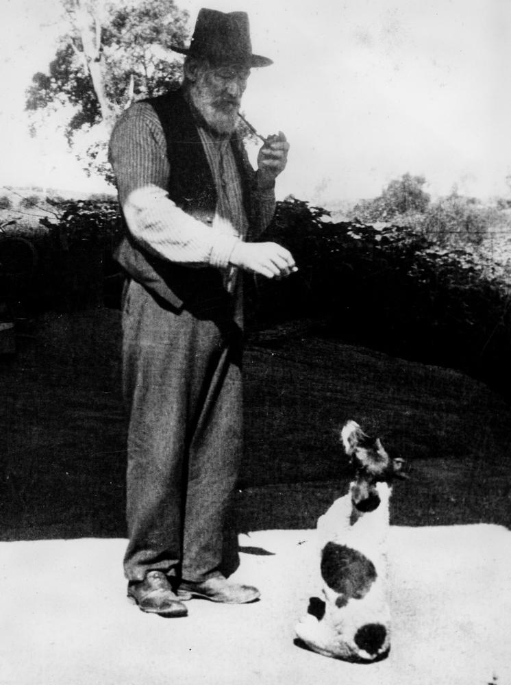 Dan-Kelly-and-his-dog-at-Toombul-ca.-1930s.jpg